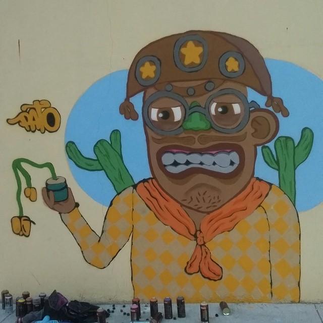Pedi pra chuver, mais chover de mansinho pra vê se nascia uma planta no chão... #nordeste #sertao #cangaceiro #lampião #ruasdazn #rjvandal #galeriaaceuaberto #arturbana #streetartrio #graffitirj #graffrio #graffiti #instagraffiti #wallacepato #pato #sprayart #colorgin #montana94 #streetart #graffitibrazil #graffitilovers #art #arte #grafite #riodejaneiro #brasil