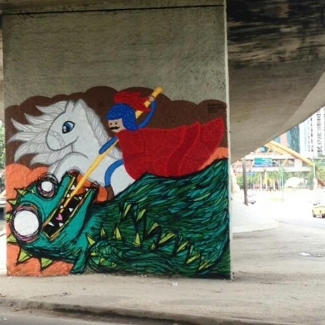 Próximo ao Centro da Cidade, colaborando para o #rio450anos cheio de cores e sentimento no feriado: Salve! #lego #grafitti #arte #salvejorge #streetartrio #urbanart