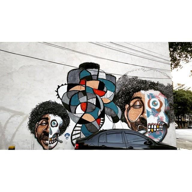 RUA CONDE DE BOMFIM com RUA DOS ARAUJOS ARTISTA: ??? #graffiti #graffitiart #graffitiwall #streetculture #streetphotography #streetstyle #urbanart #spraypaint #graffitirio #StreetArtRio #muros #artederua #streetart #arteurbana #welovestreetart #mural #streetartfiles #graffart #graffittigers #spraypaint #graff #wallart #olheosmuros #loves_street_art #graffitilegends #streetartofficial #streetarteverywhere #streetartistry #stickerart