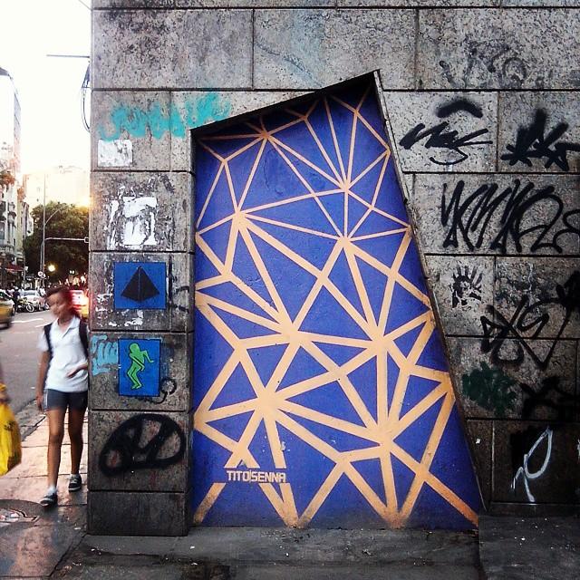 Rio de Janeiro. 01/04/2015 | vandalogy #StreetArt #StreetArtRio #riodejaneiro #catete #graffiti #door