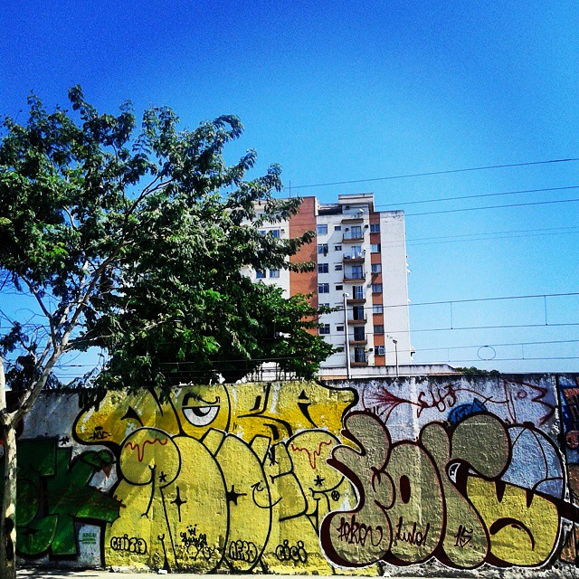 Sopa de letra #ruasdazn #streetartrio #artistasurbanoscrew #estiloriginal #tagsandthrows #welovebombing #aucrew #classicbomber #graffitirj #graffiti