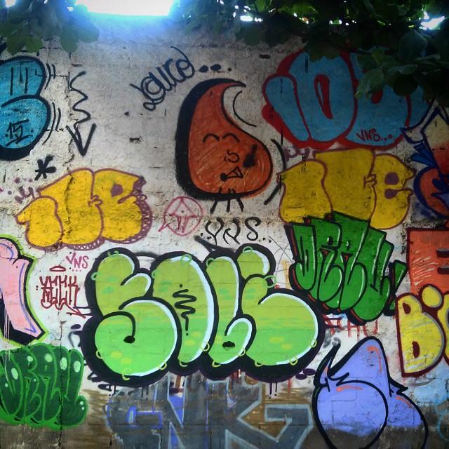 Sopa pá nós... #recreio #rj #brasil #graffiti #StreetArtRio #vandal #bomb #throwp #colors #arteurbana #mtnrio #mtn94 #021crew