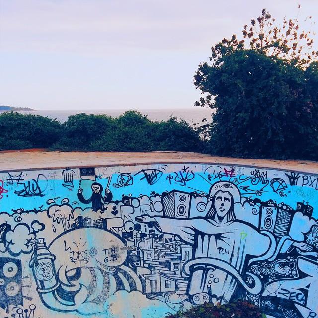 Tanta coisa maneira junta numa mesma foto. #StreetArtRio