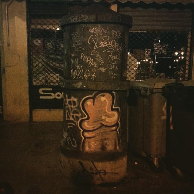 #instagraffiti #streetart #streetgraff #streetwriters #streetartrio #streetartist #streetarteverywhere #hierendaar #fromthestreets #publicart #urbanart #urbangraff #urbanwalls #thisisstreetart #globalstreetart #klotter #ilovegraffiti #wallart #wallpainting #wallcolours #muralsonthewall #notjustwalls #valenciagram