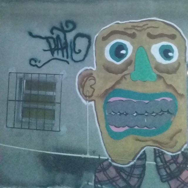 ! #ruasdazn #rjvandal #streetartrio #galeriaaceuaberto #bomber #vandal #pato #wallacepato #graffitirj #graffrio #grafite #grafitte #graffitibrazil #graffiti #street #streeart #kobrapaint #kobra #colorgin #montana94 #personagem #zonanorterj #riodejaneiro #persona #arturbana
