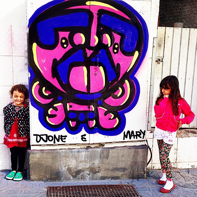 Chegamos #floripa #pinkgirl #djonereal #mm @marygirlstyle #streetartrio #graffiti #refresh
