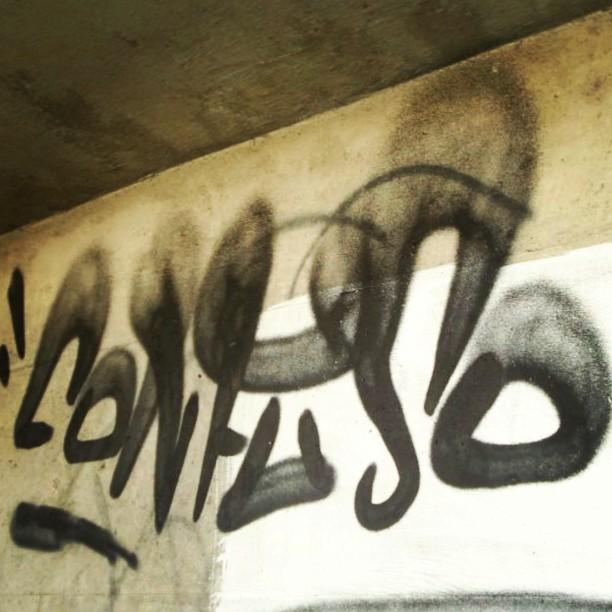 Essa é a ideia !! #graffiti #graffitiart #graffitiartist #graffitilovers #tag #lovetag #fatcap #tagging #streetart #streetartrio #xarpi #c22 #coisademaluco