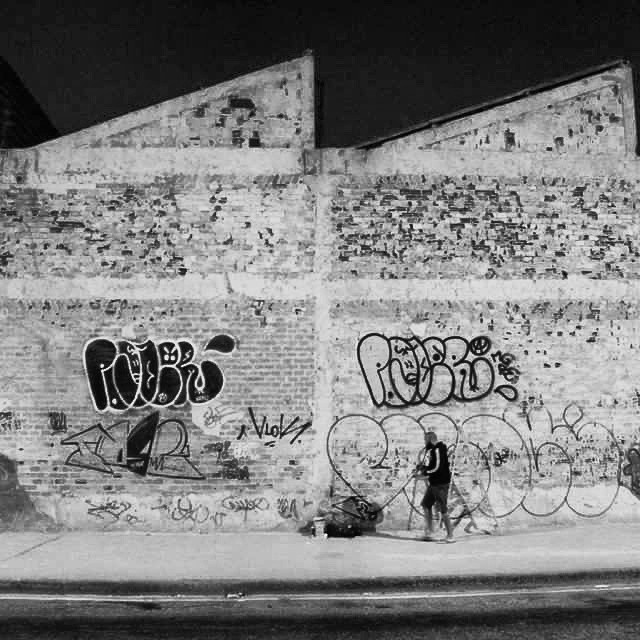 Fotos @herbertmarques7 #graffitivandal #rjvandal #tagsandthrows #estiloriginal #streetartrio #artistasurbanoscrew #poderafro #aucrew #bombingbrasil #graffitirj