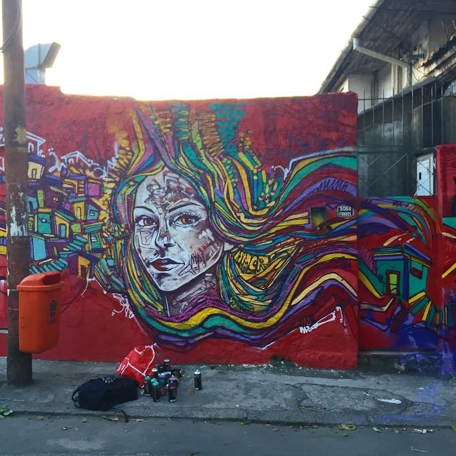 Santa Teresa , muro da Cantina do Gaúcho que pintamos desde 2006! Junto com os amigos @marcelojou @marcioswk @tarm1 @mga021 e @fique_peixe #graffiti #streetartrio #santateresa #spraypaint #freestyle #freehand #rio #rj #riodejaneiro #mentone #marceloment