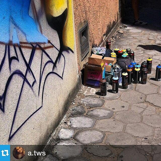 Foto por @a.tws ・・・ Artista @killyacking_scott ・・・ Valorize a arte, fortaleça o movimento. Use #CamposStreetArt ・・・ Crédito ao artista: é o artista ou conhece quem fez a arte? Comenta ai! ・・・ # Arte #Graffiti #streetart #artederua #artenarua #olheosmuros #asruasfalam #graffitiart #instagraffiti #streetarteverywhere #streetartphotography #streetartrio #streetartist #streetartbrazil #graffitilifestyle #graffitiart #tintanaparede #camposdosgoytacazes #RJ