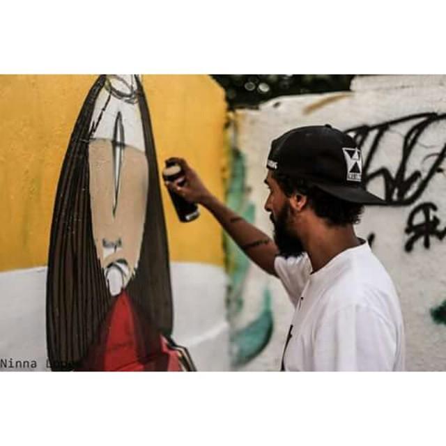 Foto por @ninnalopes_ #streetgallery #streetartbrazil #streetartrio #graffiti #streetart #ururah