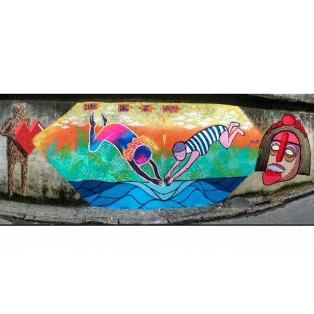 Pintura feita ontem no Vidigal com os amigos @nguedes + @jaderdk + Z + Ururah #streetartbrazil #streetgallery #streetart #streetartrio #rjvandal #instagraffiti #instagallery #arte #Arteurbana #vidigal #graffitividigal #ururah