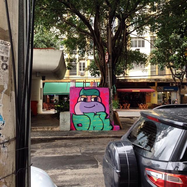 #plantiocrew #dmlone #streetartrio #streetartandgraffiti #graffitilovers #sprayart #rua #rj #graffitirio #streetart