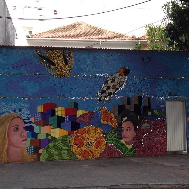 Se essa rua fosse minha, eu mandava grafitar... #errejota #botafogo #carioquistando #urban_art #grafite #StreetArtRio