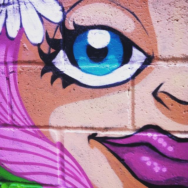 #tapú #sonbil #graffiti #streetartrio #copacabana #process #art Hoje ela sorriu...