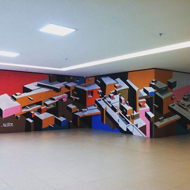 """Fragmentos Urbanos"" na Exposição ""Cultura Visual Urbana"". Curadoria: @vandaklabin #BANDS #MARIOBANDS #ARTISTAINTERVENTOR #INSTAGRAFITE #CONTEMPORARYART #STREETARTRIO #STREETART #ARTEURBANA #ARTEDERUA #URBANART #ARTEURBANA"