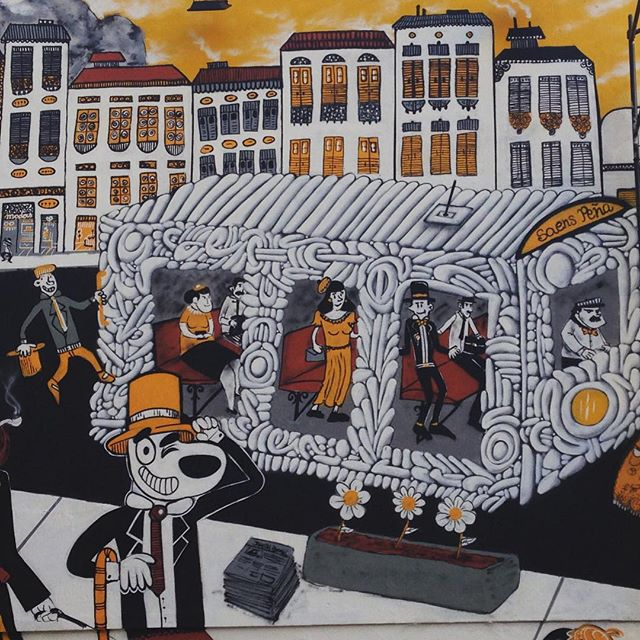 O bonde esta passando!!! #tijuca #tijukistan #streetartrio #streetart #streetartphoto #bigwall #rioantigo #cazesawaya #efixis #birita
