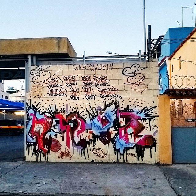 RUA LEOPOLDINA REGO - OLARIA - RIO DE JANEIRO - BRASIL ARtIST: NOVOS ARTISTAS #graffiti #graffitiart #graffitiwall #streetculture #streetphotography #streetstyle #urbanart #spraypaint #graffitirio #StreetArtRio #muros #artederua #streetart #arteurbana #welovestreetart #mural #streetartfiles #graffart #wallart #olheosmuros #loves_street_art #graffitilegends #streetartofficial #streetarteverywhere #streetartistry #stickerart #urbanwalls #instagraffiti #spraycanart #graffitiporn