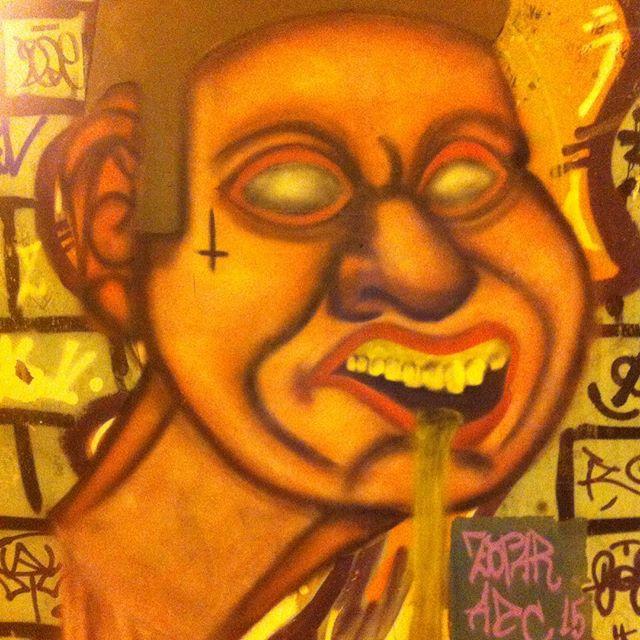 Role de quinta #valqurire #brasil #rj #adc #addamscrew #pracaseca #brazil #streetartrio #urbanart #streetart #graffitiworld #graffiti #persona #streetlover