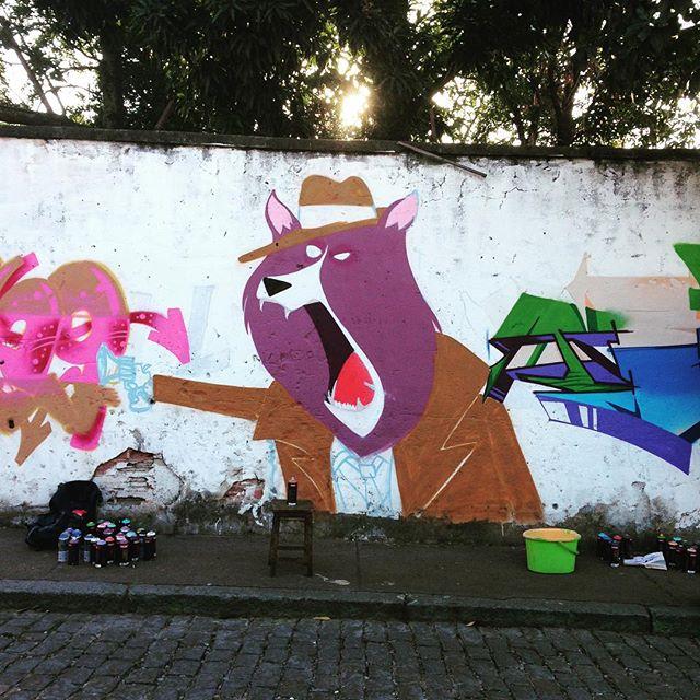 Valeu @gut_mafia44 pelo convite com os amigos #to #setenove @iogs @leandroraios #zn #zonanorte #andarai #streetartrio #streetart #cazesawaya #dog