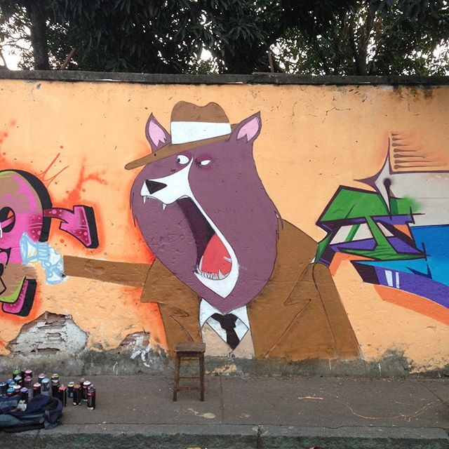 #loading #streetart #streetartrio #dog #detetive #sherlock #attack #cazesawaya #andarai