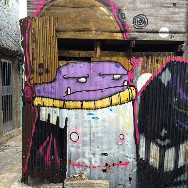 #streetphoto_brasil #streetartrio #artpop #artepopular #streetart #streetartist #streetartshots #grafite #grafiteart #grafitebrasil #urbanwalls #sprayart #urbanart #instarepost #ilovesstreetart #rsa_graffiti #rsa_photo_of_the_day #instagrafite #artederua #grafiti #spraypant #graffrio #arteurbana #dsb_graff #click_n_share #brarts #capturestreet #ruasdomeupais