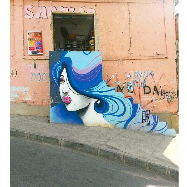 @zecoaepen colorindo tudo no Complexo. (: #grafitti #streetartrio #streetart #fotografia #photopic #photooftheday #fotografia #favela #errejota #cor #colorido