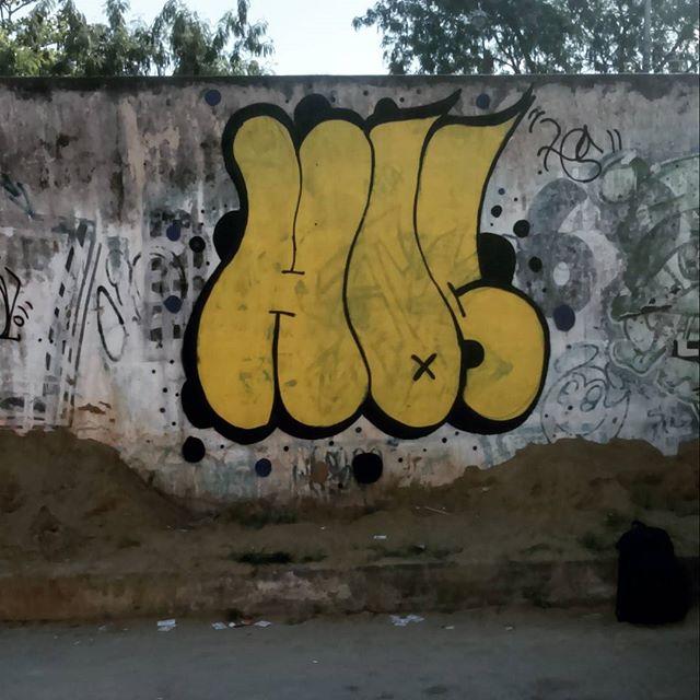 Click #bomb #bombing #graffiti #streetartrio #rjvandal #letter #hos