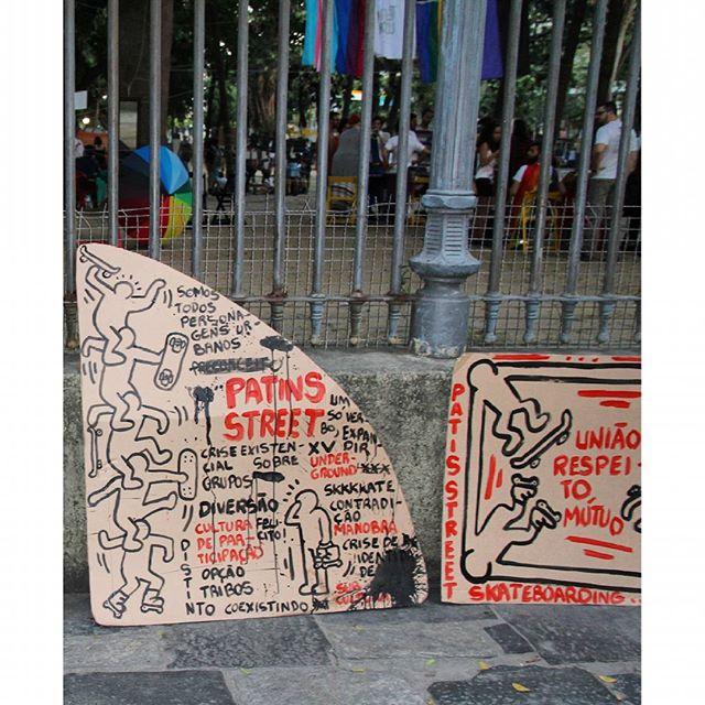 Passeio Público - exposição #patinsstreet #keithharing #umsóverbo #expandir #skate #skateboarding #passeiopublico #coletivotrama #patodebanheira ____