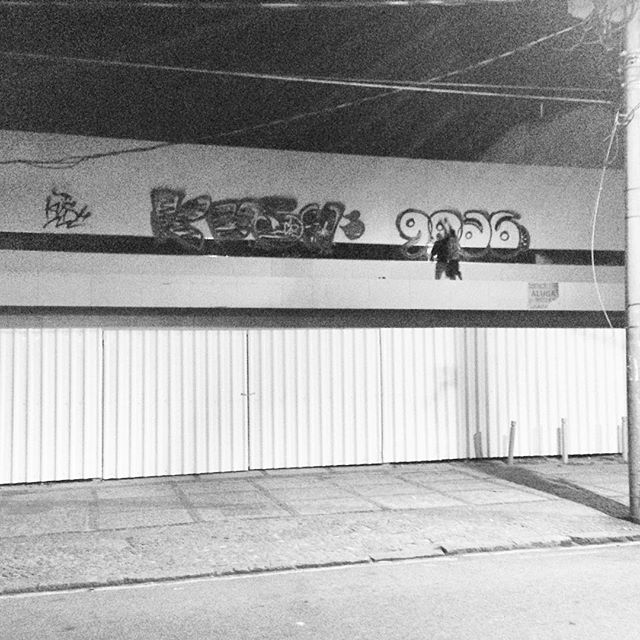 #rjvandal #vandal #bomb #escalada #tagsandthrows #tags #throwup #up #fatcap #astro #arteurbana #mtnrio #xarpi #streetartrio #streetart #grafiti