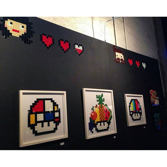 Nossa parede no @artrua #vemproporto #artrua #8bitch #8bitchproject #pixels #pixelart #videogames #streetart #streetartrio