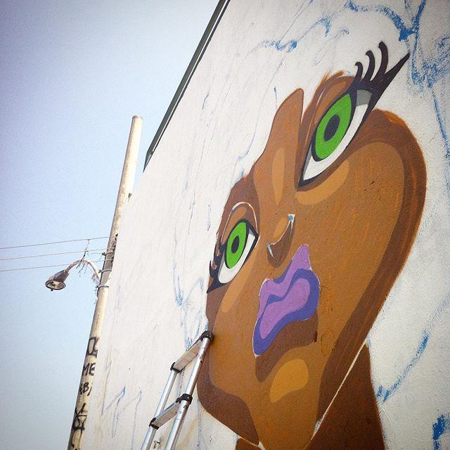 "#tapú #sonbil #graffiti #graffitiart #ruasdazn #streetartrio #keepcrying #blackpower #nega #marú #mb #process ""Da vida gente leva a vida só..."""