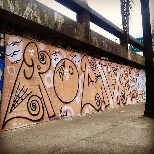 @artistasurbanoscrew • #rjvandal #streetartrio #streetart #graffiti #graffitiart #art #riodejaneiro #tags #tagsandthrows #throwsup #throwsupz #bombing #bomb #grafite #artist #artoftheday #arteurbana #rj #urbanart #artederua #rua #graffitiwall #sprayart #vandal #galeriaceuaberto #olheosmuros #bombingbrasil #graffitirio #art #makeart