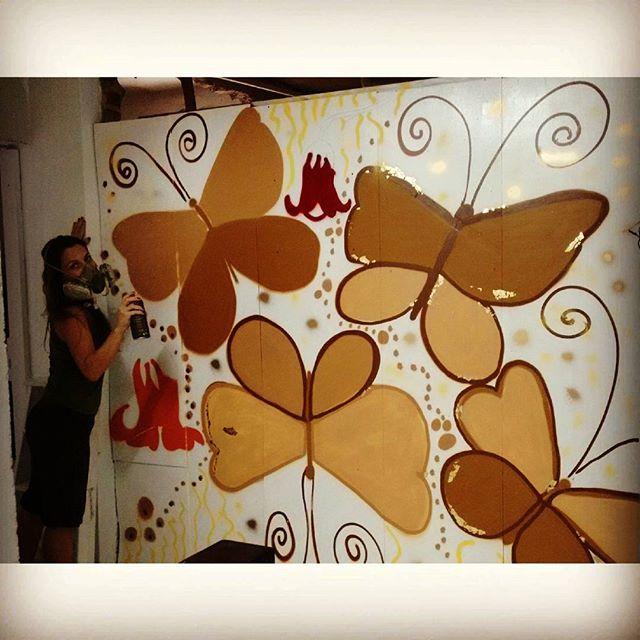 Borboletas Nudes Working Progress #butterflies #nudes #streetartrio #graffitti #spraypaint #spraypaintart #collage #riodejaneiro #rioeuamoeucuido #amicca #botafogo Painel para a Amicca - Amigos da Infância com câncer