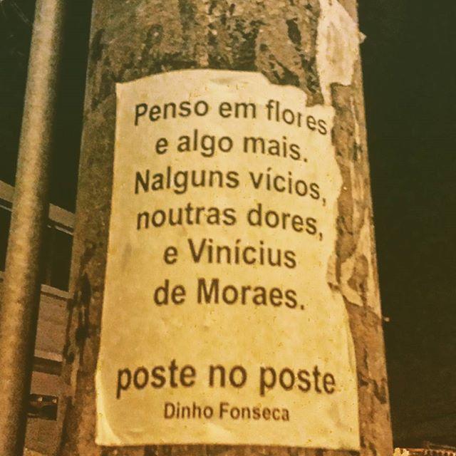 Erosão X. #poesias #poetry #poema #poemas #verso #versos #poeta #poetas #arte #arteurbana #rj #rio #streetart #original #autor #autoral #post #poste #postes #posts #frases #dinho #dinhofonseca #postenoposte #poster #originals #StreetArtRio #street #verdadenoturna #editorial