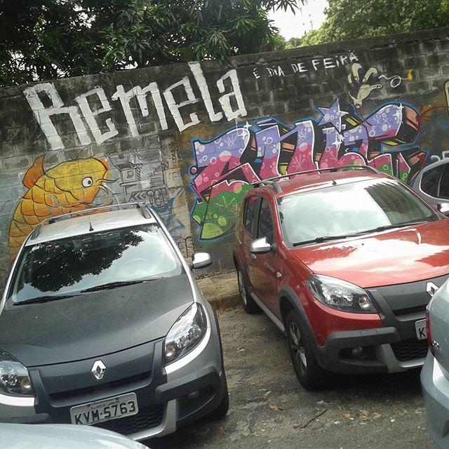 Improviso ação. #tagsandthrows #streetstyle #streetartrio #streetart #graffiti #xarpi #ktt #ttk #throwsupp #vandal