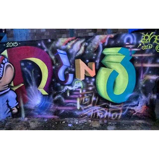 Rine arrebentando no 3-d #graffiti #artistasurbanoscrew #estiloriginal #ruasdazn #streetartrio #streetart