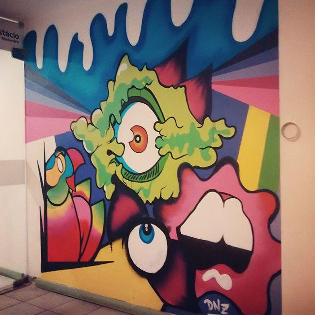 Trabalho na universidade Estácio de Sá campus Madureira. Semana da comunicação social Estácio. #istazise #instasize #instagood #streetart #streetartrio #streetartcarioca #grafitti #graffitirj #vandal #zonaoeste #madureira #padremiguel #rio #riodejaneiro #brazil #dnz #ic