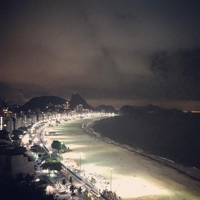 #brindeaorio #riocomamor #aboutrio #trippics #streetartrio #operacoesrio #eutonanuvem #instagood #cariocandonorio #rionagema