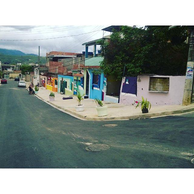 #mariobands #StreetArtrio #graffitiart #streetart #artistainterventor #bands #artistainterventor #artistasurbanoscrew #classeD #pintouRio450anos #tudodecorpravocê #tintascoral