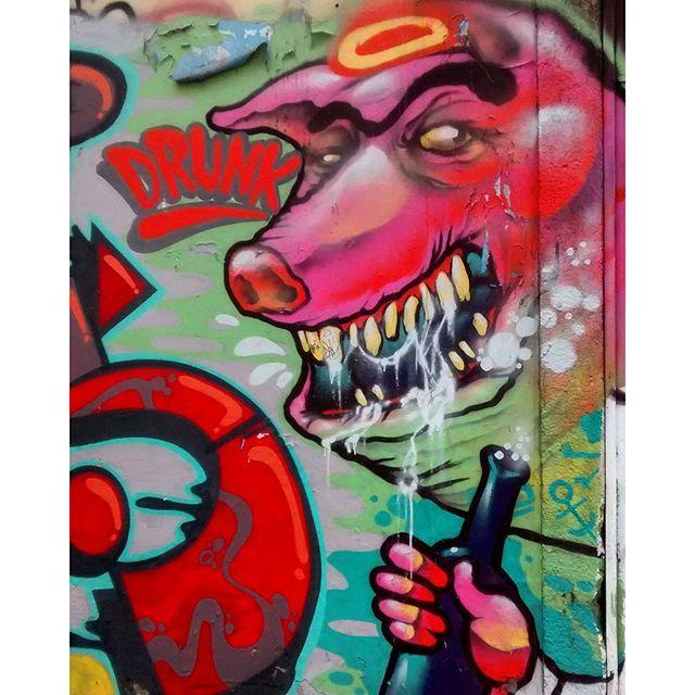 por: @brunozagri • #rjvandal #streetartrio #streetart #graffiti #graffitiart #art #riodejaneiro #tags #tagsandthrows #throwsup #throwsupz #bombing #bomb #grafite #artist #artoftheday #arteurbana #rj #urbanart #artederua #rua #graffitiwall #sprayart #vandal #galeriaceuaberto #olheosmuros #bombingbrasil #graffitirio #art #makeart