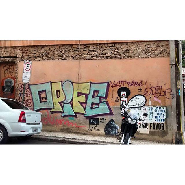 por: #opife e @Talitharossi • #rjvandal #streetartrio #streetart #graffiti #graffitiart #art #riodejaneiro #tags #tagsandthrows #throwsup #throwsupz #bombing #bomb #grafite #artist #artoftheday #arteurbana #rj #urbanart #artederua #rua #graffitiwall #sprayart #vandal #galeriaceuaberto #olheosmuros #bombingbrasil #graffitirio #art #makeart #opife