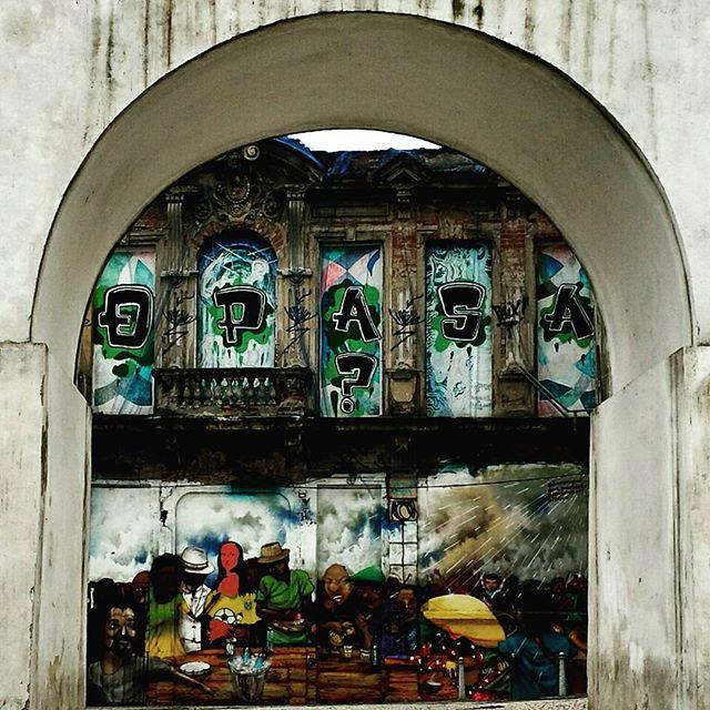 @mz_qpasa #qpasa #urbangraffiti #grafite #StreetArtRio #graffitirio #wallpainting #painting #paint #mural #murals #instamural #bombing #streetphotography #streetphoto #graffiti #graff #rua #street #ArcosdaLapa #RiodeJaneiro #RJ #BR #Rio #Brasil