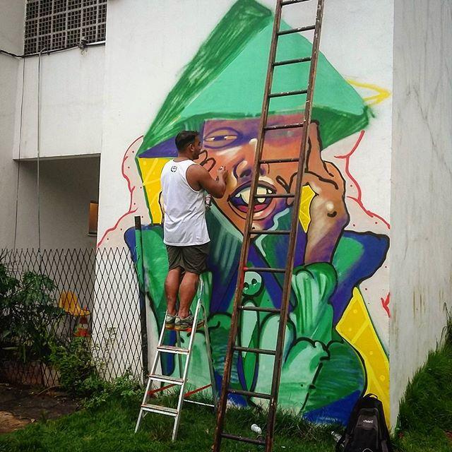@rena_kvk x @fleshbeckgrill #kovokcrew #streetartrio #graffiti #fleshbeckgrill