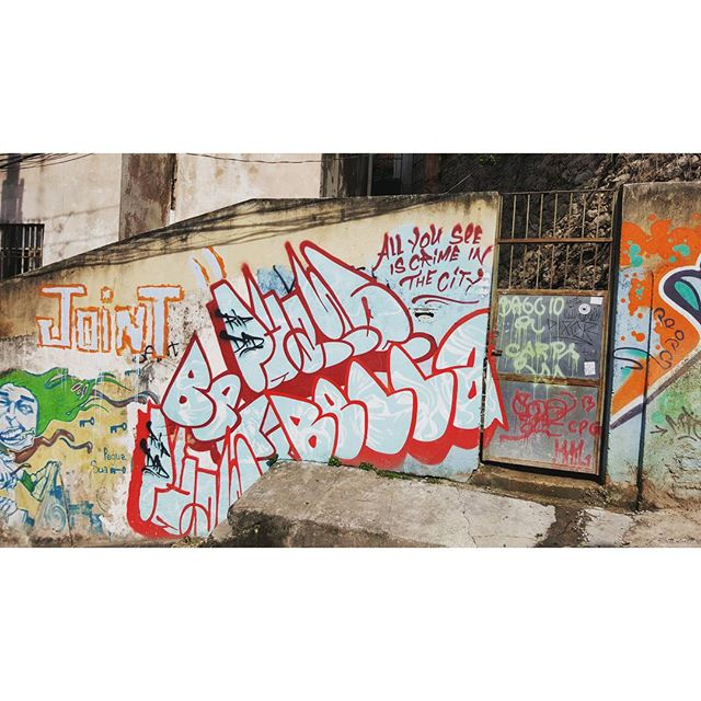 All you see is crime in the city #Lapa #riodejaneiro #rioeuteamo #StreetArtrio #StreetArt #Graffiti #Travel #vacaciones