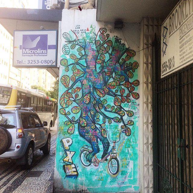 Art done by @marciopxe #graffiti #grafporn #streetart #streetartrio #streetartglobe #urbanart #spraydaily #muralsdaily #copacabana #riodejaneiro #brazil