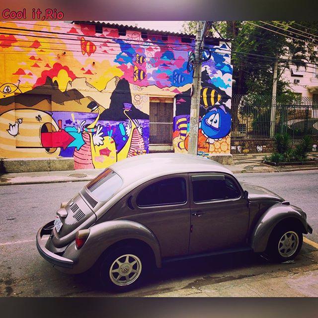 Arte de rua: grafite e Fusca, um ícone em design automobilístico. *** Street art: graffiti and Beetle,an icon in automobilistic design. *** #riocomprido #fusca #volkswagen #vwbeetle #artederua #arteruario #streetart #streetarteverywhere #streetartrio #artecore #arteurbana #artrio #riomais #rio4gringos #dolemeaopontal #oquefazernorio #orionaoesopraia #riodejaneirotips #brazilgram_ #porainorio #everydayriodejaneiro #rionagema #grafite #graffiti #semanariodesign #riodesign #design #riocomamor #movimentotragaamor #arteurbanabr