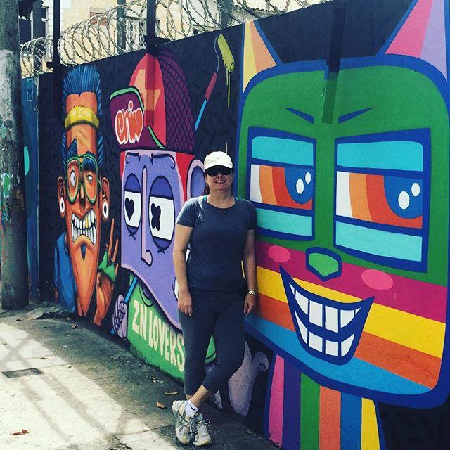 Bora caminhar e apreciar esta galeria de arte ao ar livre? #streetartrio #artelivre #murosdorio #arteurbanabr