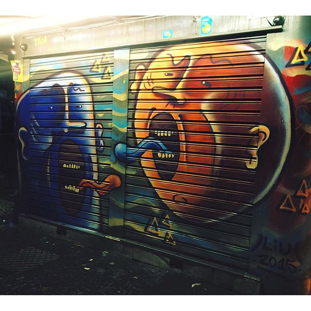 Chove chuva, tinta chove. De madruga a gente desenvolve. ️️ #liu #tvk #arte #artederua #arteurbana #graff #graffiti #streetart #vandal #rjvandal #streetartrio #leblon #rio