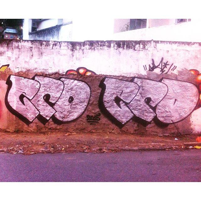 Chromaterapia  #TunelRebouças #chroma #silver #noucolors #throwup #tagsandthrows #fatcap #graffiti #grafite #streetartrio #marceloeco #rio #riodejaneiro #brasil #brazil